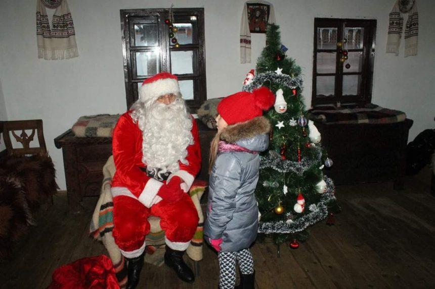 Moș Crăciun în Bistrița. VEZI unde sunt așteptați copiii bistrițenilor pentru întâlnirea cu Moșul