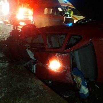 FOTO: S-au răsturnat cu mașina, în Ajunul Crăciunului, în Ciceu Mihăești