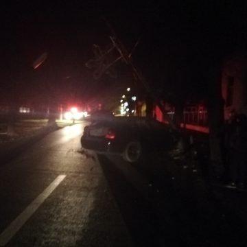FOTO: Teribilismul unui tânăr șofer a lăsat în beznă Bulevardele din oraș