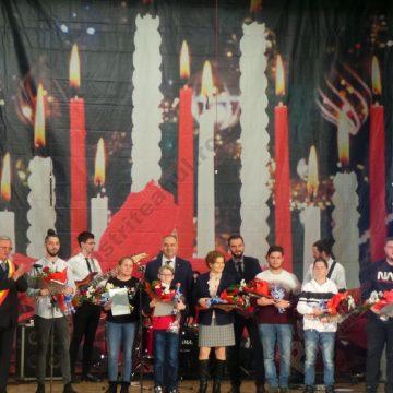 FOTO/VIDEO: Cei mai buni dintre bistriţeni au fost sărbătoriţi şi premiaţi azi de Primăria Bistriţa