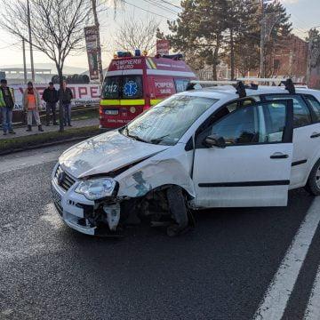 FOTO: Accident pe strada Libertății din municipiu