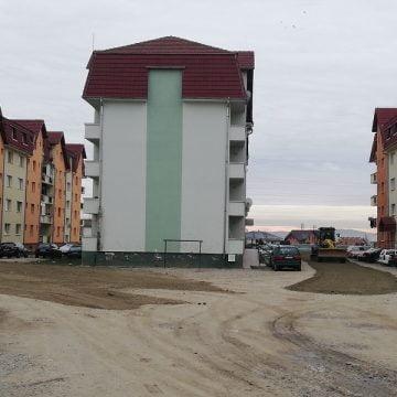 FOTO/VIDEO: Pregătiri pentru asfaltare în zona socialelor din Subcetate
