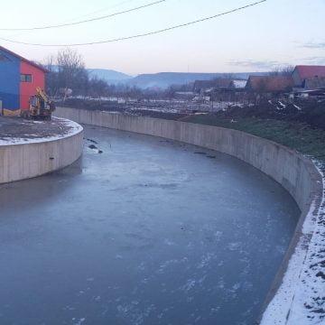 FOTO: Nota 10 pentru CML! VEZI ce lucrări de îndiguire au făcut pe râul Șieu: