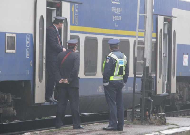"""Asta-i era """"ocupația"""": Se plimba cu trenul și fura telefoane!"""