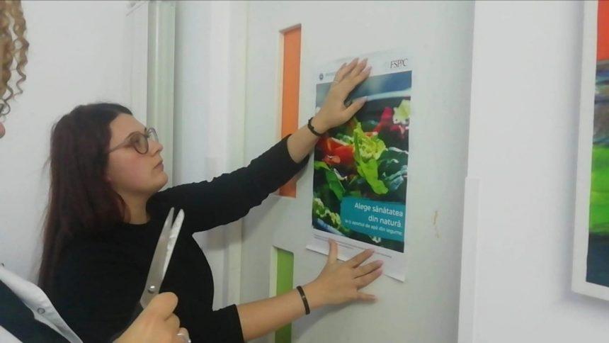 """FOTO: O campanie inedită, într-un cabinet medical din Bistriţa. """"Alegeţi sănătatea din interior!"""""""