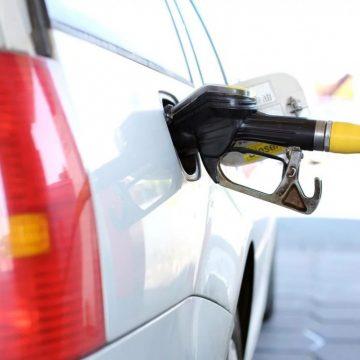 Alimentarea mașinilor cu carburant- motivul invocat de bistrițenii ieșiți la plimbări nocturne