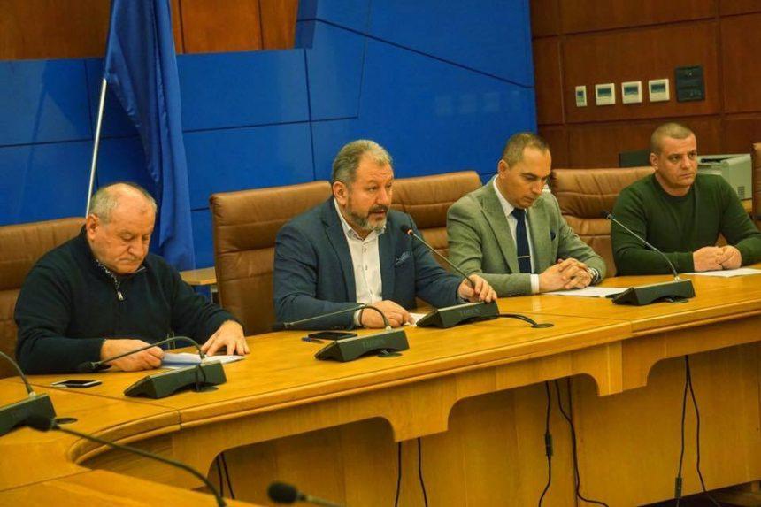 Consiliul Județean se pregătește să asfalteze peste 42 km de drumuri. Vezi dacă drumul din comuna ta este pe listă: