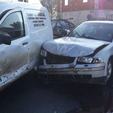 FOTO: Accident pe strada Libertății, lângă OMV