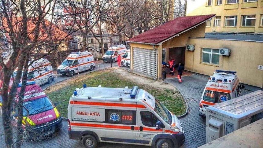 JALE la Ambulanța Bistrița! Uitați de toți, mințiți de pacienți și cu echipamentele speciale pe sfârșite!