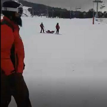VIDEO: S-a deschis Pârtia Cocoș, au apărut și primele accidentări!