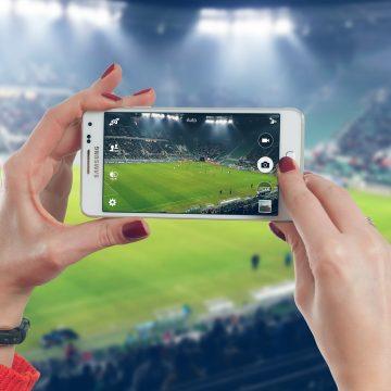 DE CITIT:  Faza cu fotbalul… Frumusețe, huliganism, dramă, umor, ipocrizie, seducție…