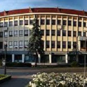 Bătaie de joc, la Prefectură: Sporul COVID – oferit DOAR celor din birouri