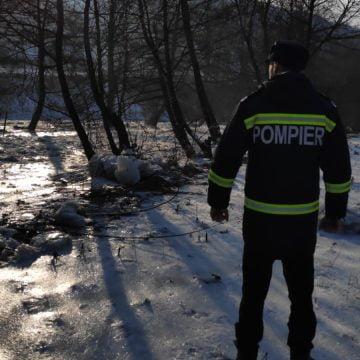 Blocaj de gheață de o jumătate de kilometru pe un râu din județ!