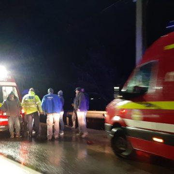 FOTO – TIHA: Pieton lovit de mașină! Este inconștient!