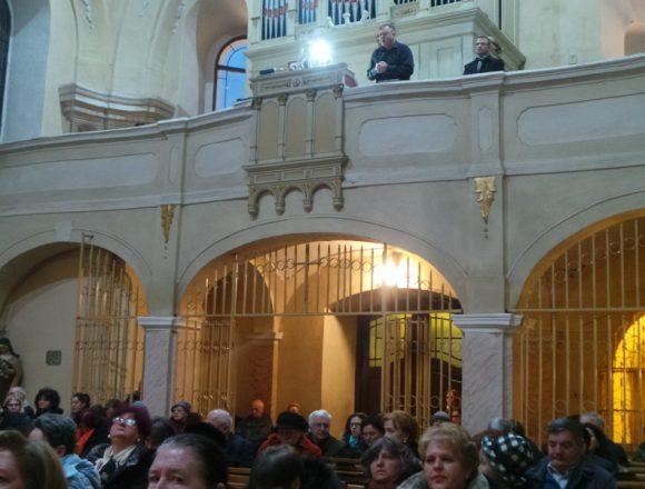FOTO/VIDEO:  Clipe de grație, ieri, în Biserica Romano-Catolică de pe Șincai