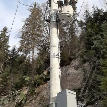 FOTO: EFECTELE codului portocaliu de vânt: Peste 200 de case, încă fără curent electric!