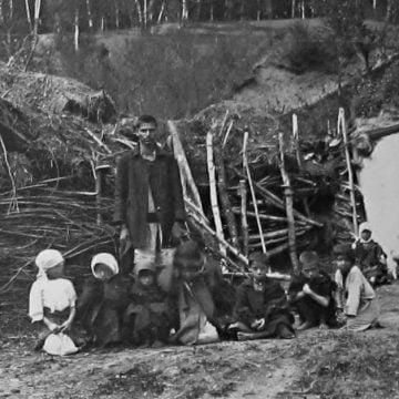 """Mâine, la Bistrița: """"Dezrobirea rromilor"""". Dezbatere și spectacol extraordinar de folclor"""