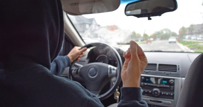 ANALIZĂ: CUM a vrut un tânăr recidivist, prins drogat la volan și fără permis, să scape de închisoare: