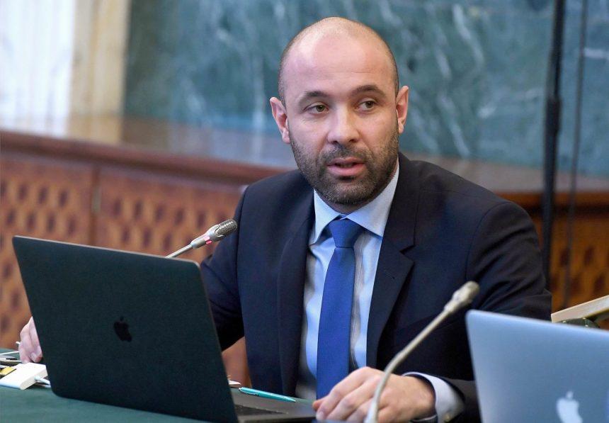 Fiul șefului Păstrăvăriei Fiad a părăsit Autoritatea pentru Digitalizarea României, pentru Parlament