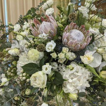 FOTO/VIDEO: Cu Euforia Floral Boutique ai un buchet unic de mireasă și aranjamente senzaționale din flori naturale!