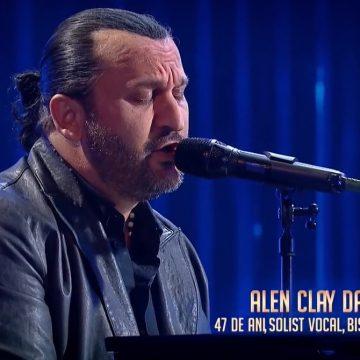 VIDEO: Un muzician din Bistrița i-a impresionat până la lacrimi pe jurații de la Românii au talent! Alen Clay David a cântat în memoria soției sale