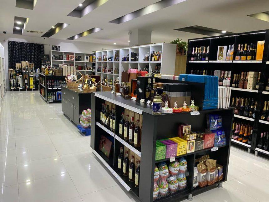 Livrări la domiciliu, de la singurul magazin specializat în băuturi din Bistrița: The Drinks Store!