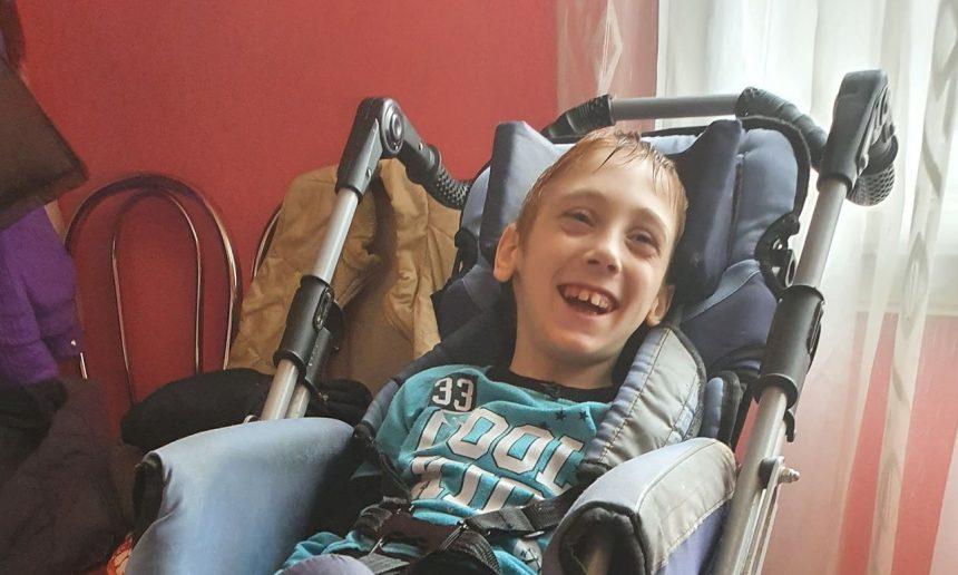 FOTO/VIDEO: Leonuț are șansă la o viață mai bună! Iar TU poți face lucrul acesta posibil!