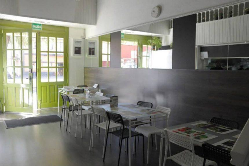 """Răscolitor mesaj. Un clujean din Tenerife, șef al unui restaurant închis: """"Sunt pe val. Valul care-i mătură pe toţi…"""""""