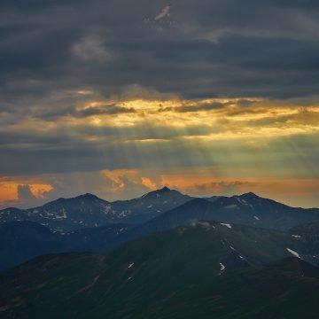 VIDEO:  Spectacol total, în Munții Rodnei! Ce au surprins camerele video din parcul național