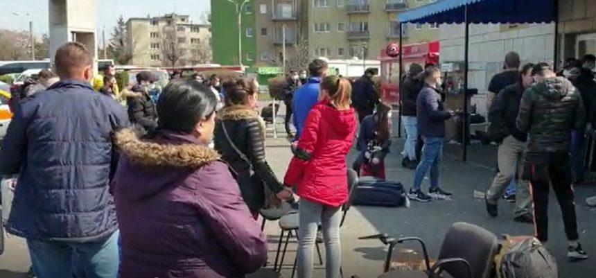 VIDEO: Inuman și riscant, așa începe aventura spre carantină a bistrițenilor debarcați la Cluj
