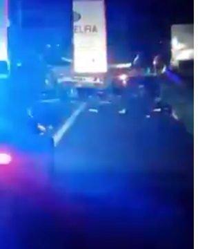 VIDEO: Camion al firmei Filadelfia, implicat într-un carambol în Ungaria