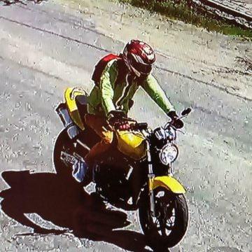 Motociclistul care a accidentat grav un copilaș ieri, reținut! Instanța decide azi dacă-l pune după gratii!