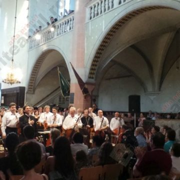 VIDEO:  Cântecul de leagăn al morţii, în Biserica Evanghelică…