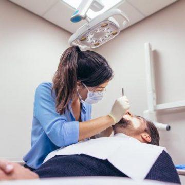 UNDE se tratează urgențele stomatologice în Bistrița