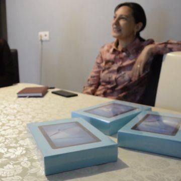 FOTO/VIDEO- Ilva Mică: Strâng tablete și telefoane pentru copiii săraci care nu au cum participa la lecțiile online