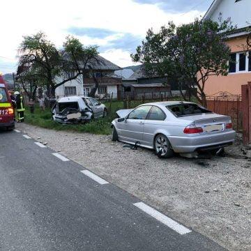 FOTO: Trei persoane, printre care o gravidă, au ajuns la spital după ce au fost accidentate de o mașină parcată. AFLĂ ce s-a întâmplat