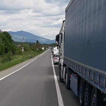 AGLOMERAȚIE spre Bârgău! CE lucrări se fac pe DN 17, dar și în alte zone din județ: