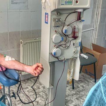 Centrul de Transfuzii va contacta bistrițenii vindecați de COVID-19, pentru a dona plasmă! CÂȚI au donat până acum: