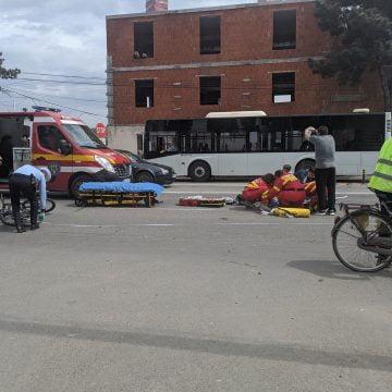FOTO/VIDEO: Biciclist accidentat pe strada Libertății din municipiu
