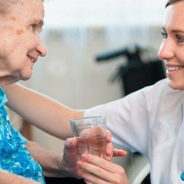 Două cazuri de infecție cu COVID-19, înregistrate într-un cămin pentru vârstinici din județul Bistrița-Năsăud