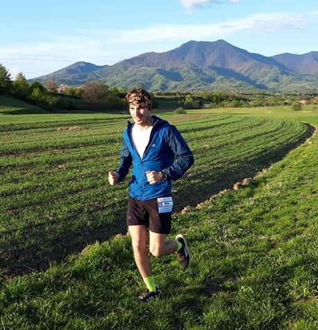 """În plină pandemie, un profesor de geografie a alergat 24 de ore în jurul locuinței. Ce l-a determinat să facă acest """"maraton"""":"""
