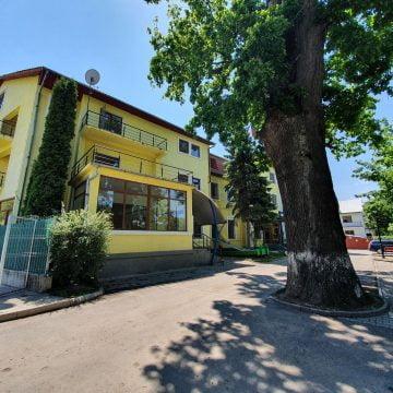 FOTO: Hotel Codrișor se transformă! Noii proprietari vor să îl redeschidă în toamnă