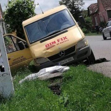 FOTO – Domnești: Bunicuță spulberată de o mașină! Nu s-a mai putut face nimic pentru ea