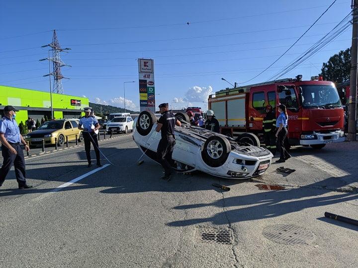 FOTO/VIDEO: Accident cu cascadorii, pe Calea Moldovei