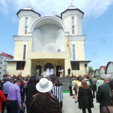 Rostul de dimineață: Apariție spectaculoasă, ieri, la biserica de pe Calea Moldovei