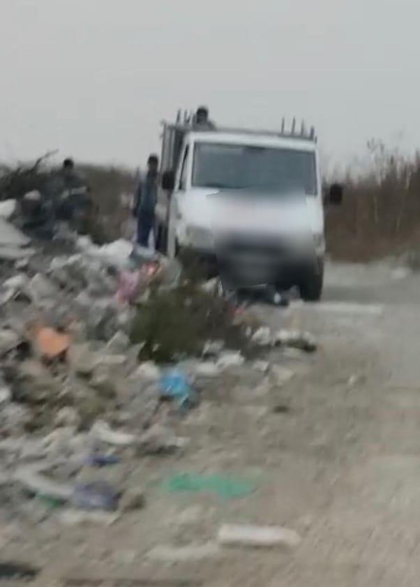 Amendă record dată de Poliția Locală Sîngeorz-Băi. Cât are de plătit un cetățean care a abandonat resturi de construcții