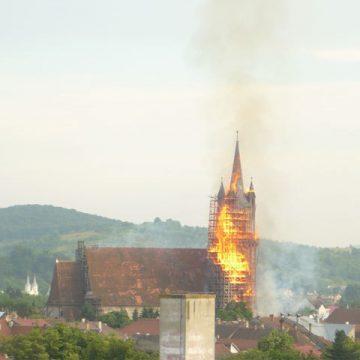 Rugăciune ecumenică, azi, la Bistrița: 12 ani de la devastatorul incendiu care a mistuit Biserica Evanghelică