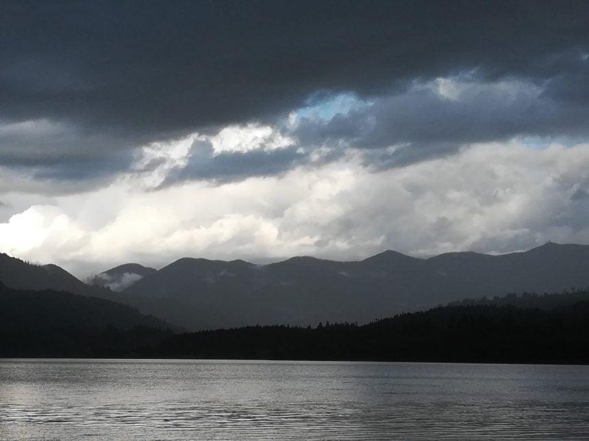 Râul Bistrița, fără betoane! Nu se renunță însă la consolidarea barajului Colibița