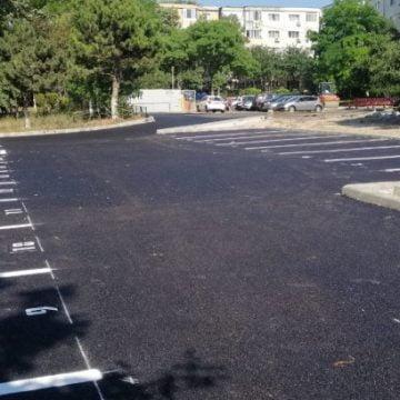 FOTO: Avem parcare! Cu valoare! Cum unde?!? Fix în buricul târgului!
