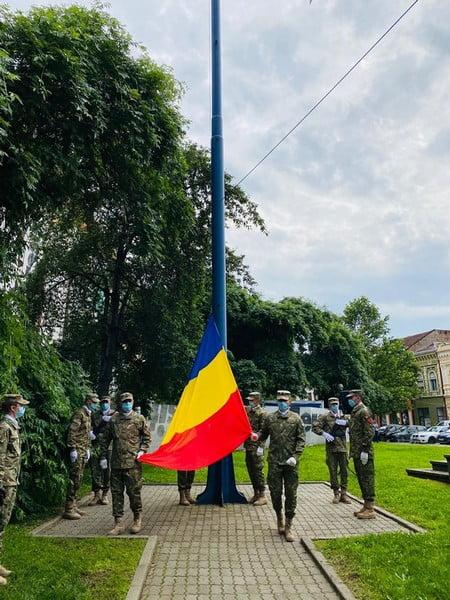 FOTO- REPORTAJ: Ziua Drapelului, altfel! Cu mască pe față, dar cu inimile pline de respect